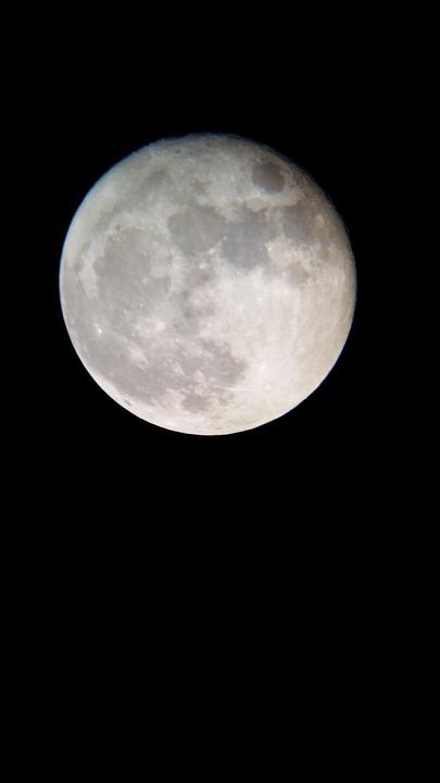 moon-1994777_960_720
